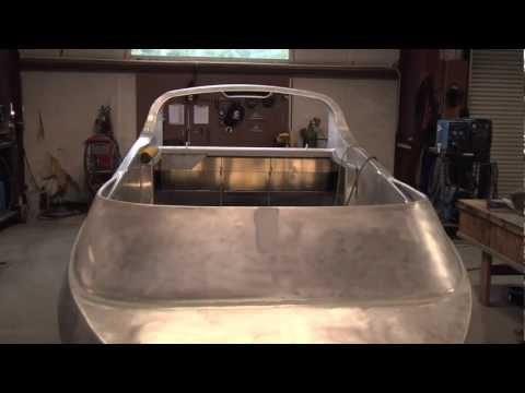 Pulsed MIG Welding Improves Aluminum Boat Building