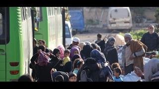 أخبار عربية - خروج الدفعة السادسة من مهجري #حي_الوعر