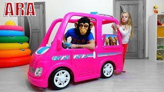 Ulya ركوب على سيارة باربي للتخييم