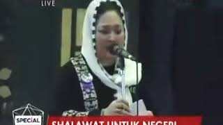Download Video Momen Titiek Soeharto menyapa Bapak dari anaknya yaitu Prabowo Subianto MP3 3GP MP4