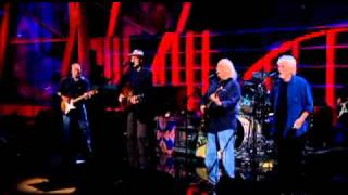 """Crosby, Stills & Nash and James Taylor Perform """"Love the One You're With"""" - 2009"""