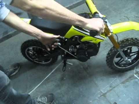567d2e1fcc3 Mini Moto Cross 49cc BZ Arena Amarela - Nota 1892 - YouTube