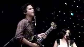 She & Him - Why Do You Let Me Stay Here (live)