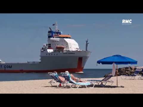 Mega transports yachts