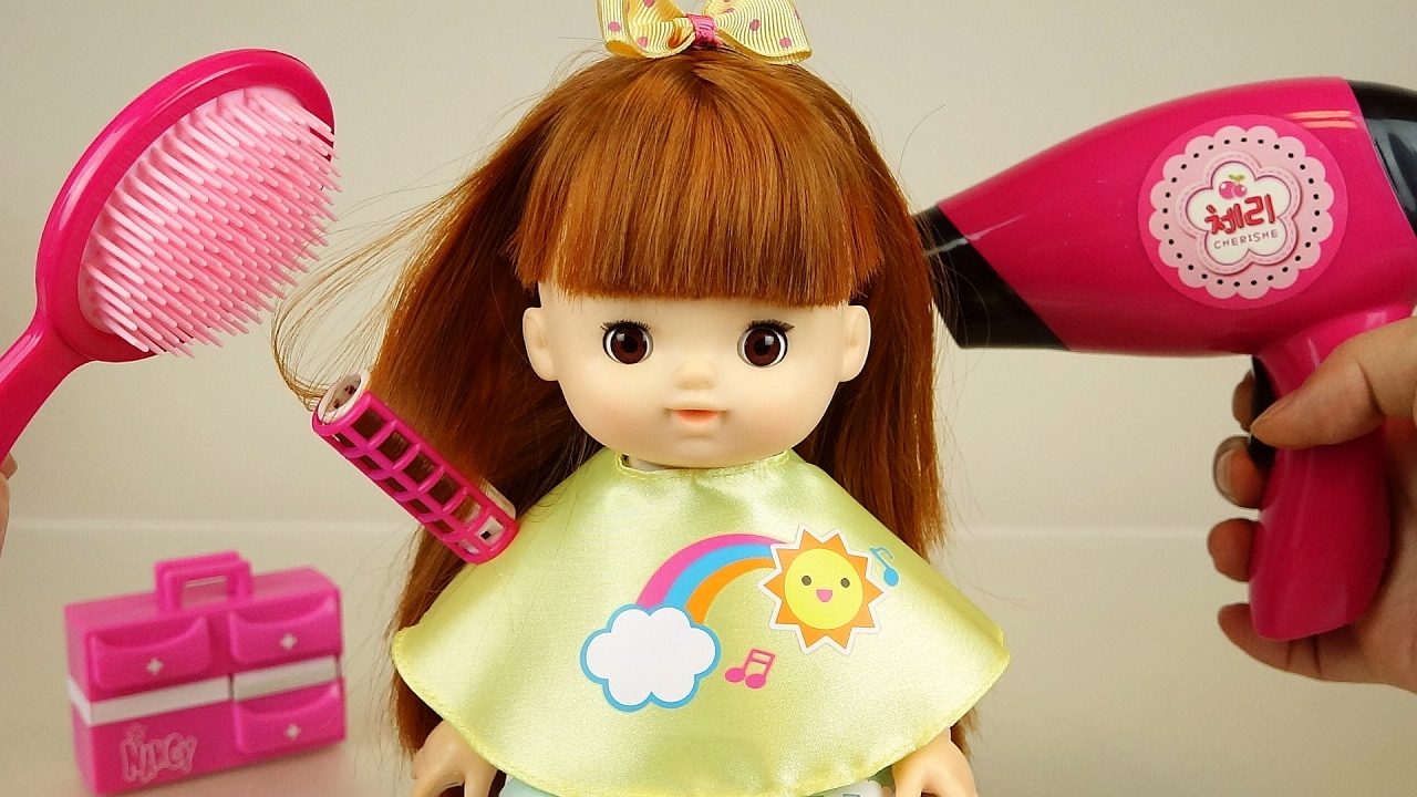 baby doll and hair toys play
