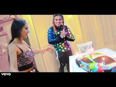 Celebating her new song with 6ix9ine !!!