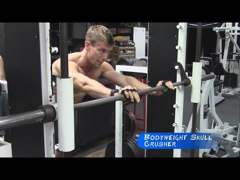 Bodyweight Skull Crusher w/ Smith Machine | GymPaws® Gym Gloves