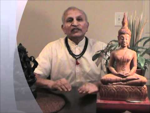 Yogi Shanti Desai explains the connection between Vedanta and Quantum Physics.wmv