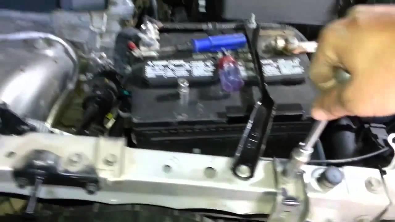 как снять передний бампер toyota rav4 2013