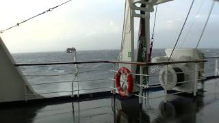 cruise ship transatlantic stormy sea Kreuzfahrtschiff Transatlantik Seegang hoher Wellengang