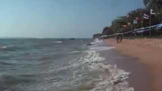 ТАЙЛАНД: На пляже в Джомтьене... JOMTIEN THAILAND<