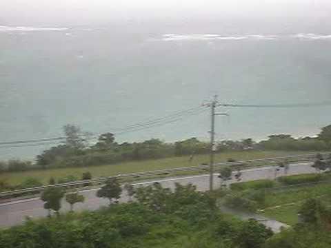 台風13号「シンラコウ」沖縄本島へ