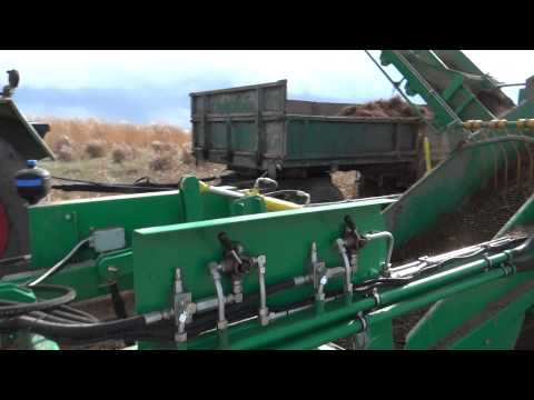 Miscanthus seedlings excavating machine - part 1