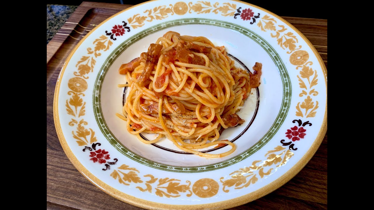 Quarantine Spaghetti All 'Amatriciana | Christine