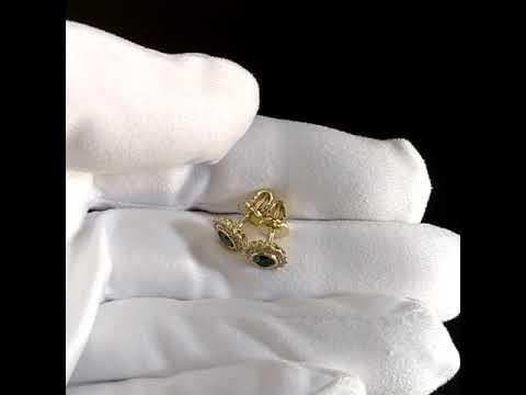 Серьги-пусеты в виде цветов из жёлтого золота с изумрудами и бриллиантами