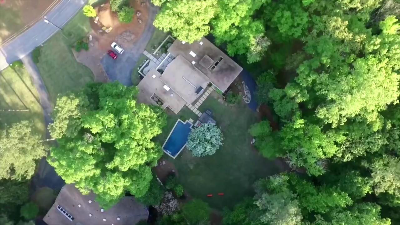 The Ridgewood House