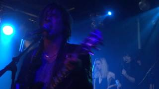 Carl Barât and the Jackals feat. Ed Harcourt and the Langley Sisters - Let it rain