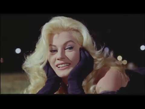 Anita Ekberg -- Cena Clássica do filme Boccaccio 70 - ( 1962 )