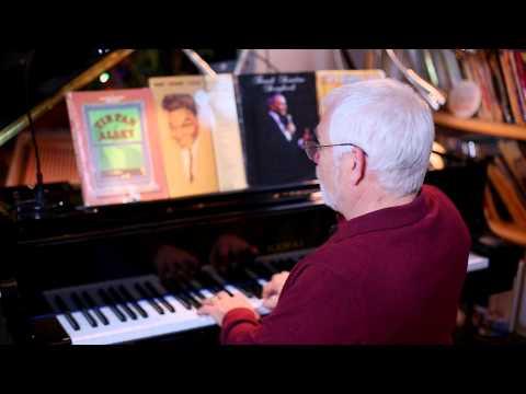 Learn to Sing for Seniors. Larry Bridges