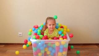 Learn colors with funny girls and balls Finger family songs for kids