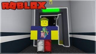 ROBLOX FLEE LA STRUTTURA!! HACKERARE I COMPUTER DI FRONTE ALLA BESTIA!