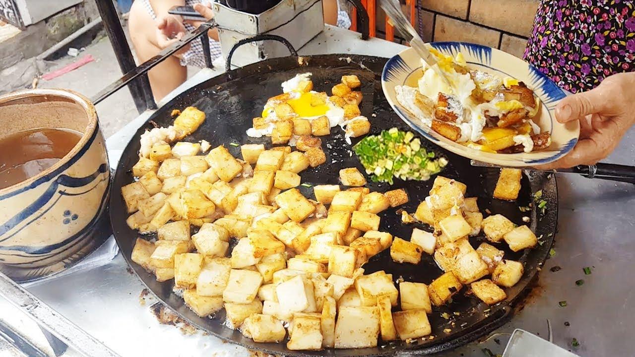 Xe bột chiên trứng vĩa hè hơn 40 năm vẫn đông khách nhờ có vị ngon riêng | street food of saigon