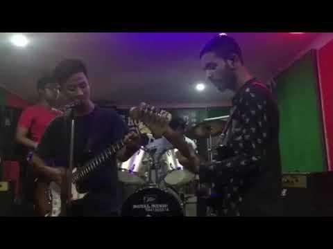    practising the song    sadhai sadhai    mantra band    ROYAL MUSIC ACADEMY.