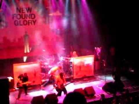 New Found Glory - Boy Crazy Live