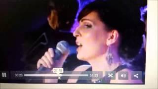 Mary Dunphy singing I