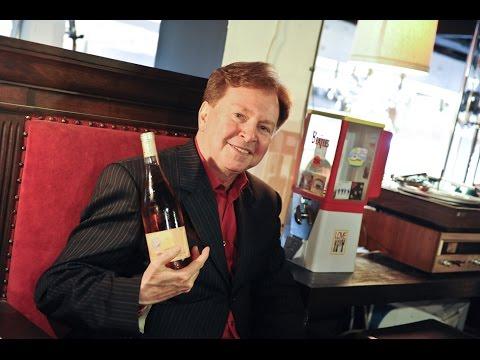 """neuH MusicLab: Gerald Casale von DEVO """"THE 50 BY 50"""" Wine Release Party"""