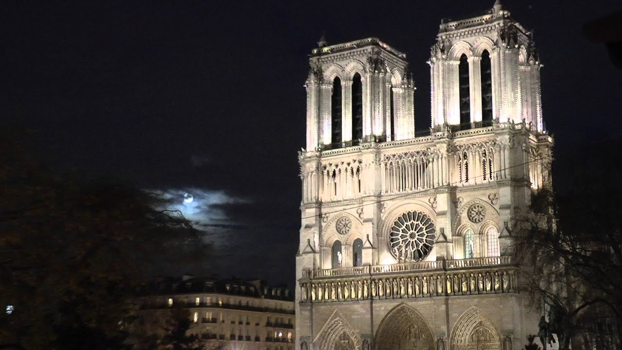 Full Moon over Notre Dame de Paris at Christmas - YouTube