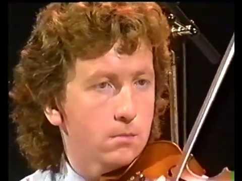 Frankie Gavin & Alec Finn   1988   Cursaí   RTE1