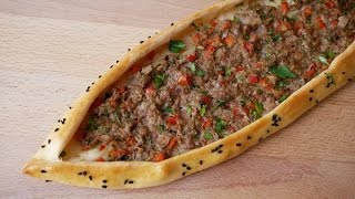Pide mit Hackfleisch (Rezept) || Pide with Ground Beef (Recipe) || [ENG SUBS]