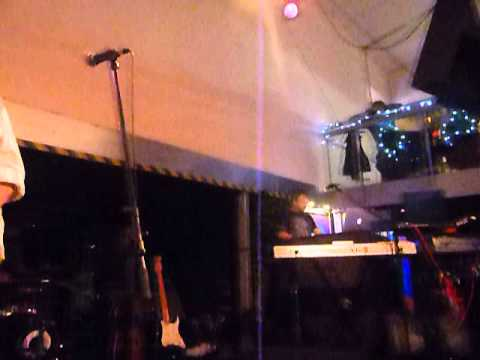COMEDY OF ERRORS PLAYING GOING FOR A SONG AT THE FERRY GLASGOW 7TH DECEMBER 2014