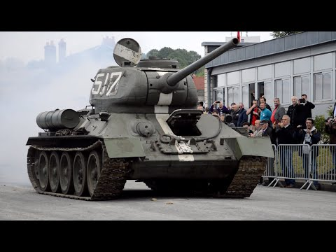 T34/85 driving - Saumur 2016 - YouTube