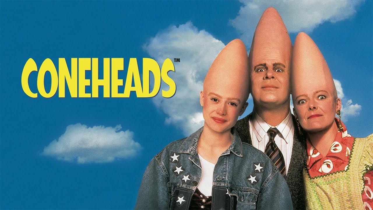 فضائيين بييجوعلشان يحتلو كوكب الارض بس خلفو بنت و قالو يعيشو معانا - ملخص فلم Coneheads