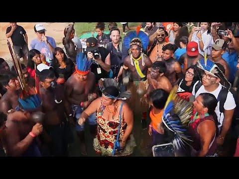شاهد: السكان الأصليون في البرازيل ينظمون مسيرة من أجل مزيد من الحقوق…  - نشر قبل 56 دقيقة