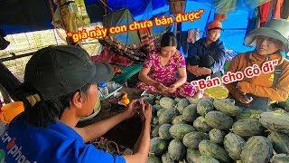 Giá dưa hấu Gia Lai tăng có lãi nhưng nông dân chưa muốn bán vội trong khi thương lái tấp nập đi mua