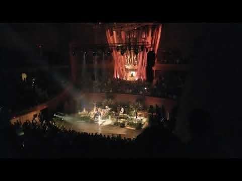 Florence and the Machine Shake it Out Walt Disney Concert Hall LA May 21, 2018