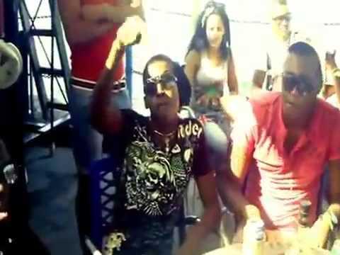 Ire Oma ft Laiko, El Duke Y Dayan La Figura Con El Toto En La Mano 2013
