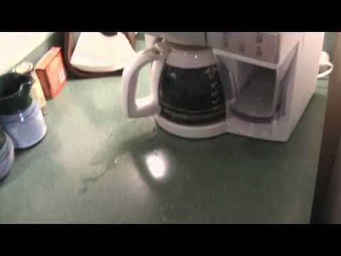 K Cup Coffee Maker Leaking : Black and Decker Spacemaker Coffee Maker leaking all over counter - YouTube