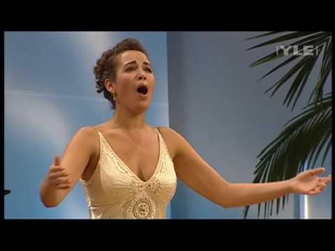 Melodia Sentimental-Villa Lobos Sung By Nadine Sierra