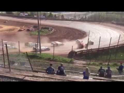 April 9, 2017 I-77 Speedway AMRA Modifieds Heat Race part 1