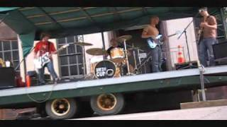 "Satin Gum performing ""I Got A DUI"" live at Indie Fest 2010"