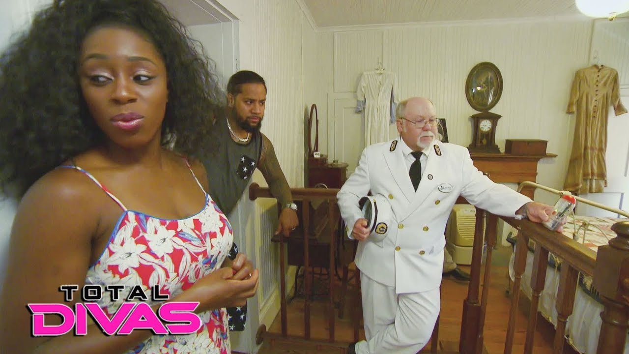are naomi and marcus dating divas