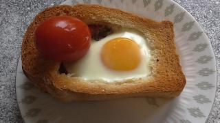 Бутерброды Горячие бутерброды с ветчиной и яйцами в духовке