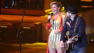 Sugarland - Stuck Like Glue - Live