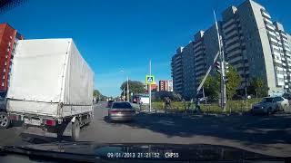 Последствия аварии на ул. 15-я Рабочая (16.09.2017)