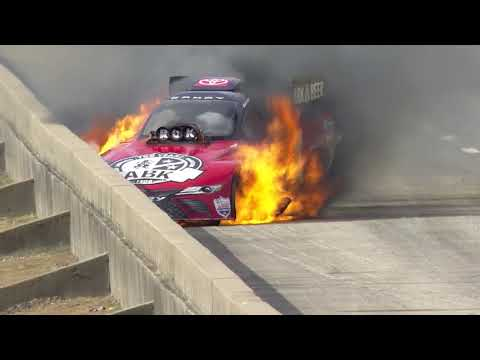 Alexis DeJoria rides out wild first-round fire in Dallas