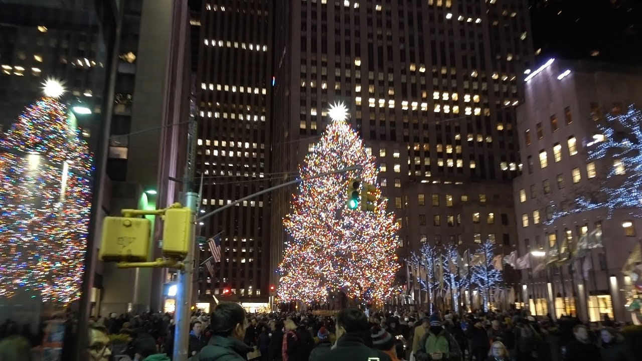 NYC 2018 Rockefeller Center Christmas Tree - YouTube